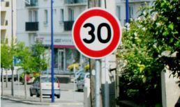 france paris 30 kph sign
