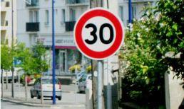 france paris 30 kph sign