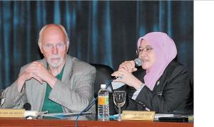 Malaysia Penang Britton and mayor at conference