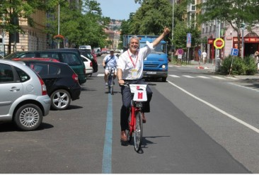 enrique penalosa on bike - 2