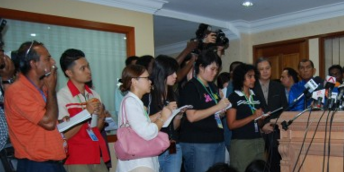 penang-press-conference-reporters